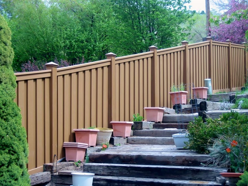 Composite Fencing -Steps - Hill
