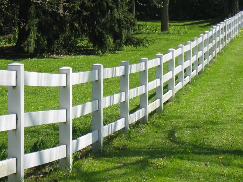 Vinyl Rail Fence Gallery