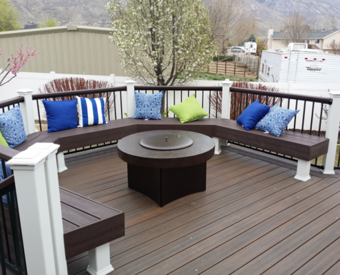 Trex Transcend Spiced Rum Deck with Built-In Benches