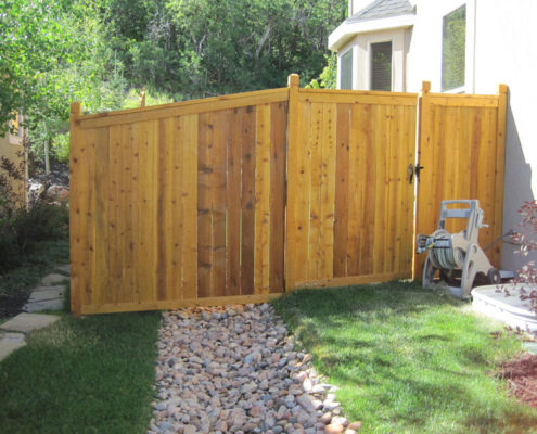 Wood Stockade with Trim Rails