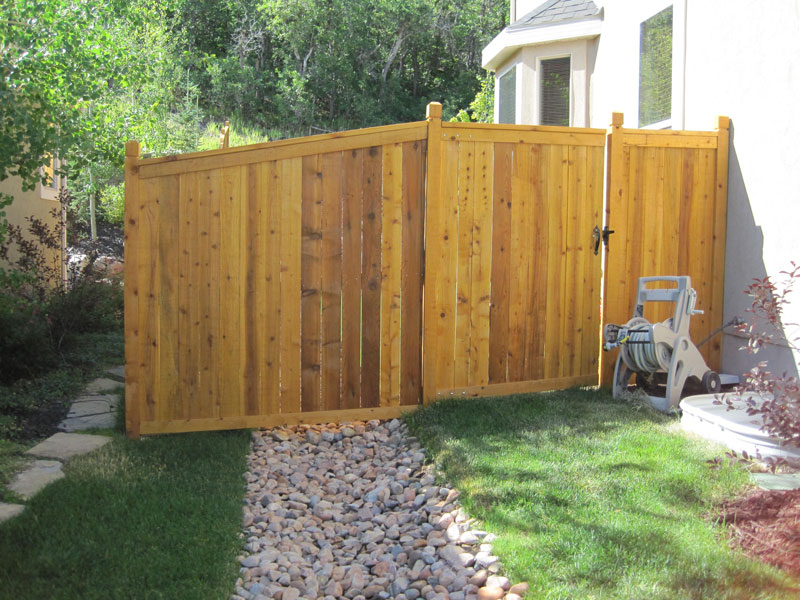 Stockade With Trim Rails Privacy Fence Fence Amp Deck Supply