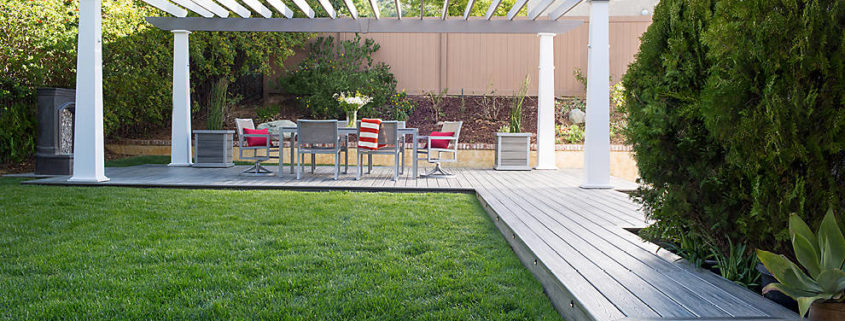 Trex Transcend Island Mist Decking and Pergola