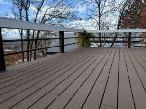 Trex Select Saddle Deck with Custom Horizontal Railing